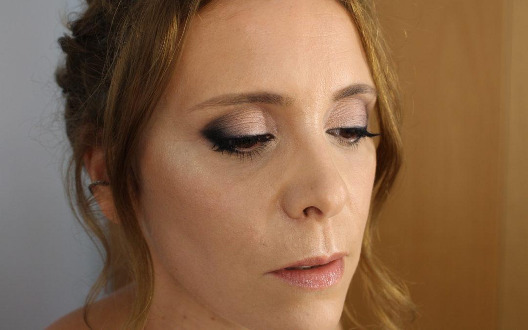 Maquillaje para piel con dermatitis y ojera marcada
