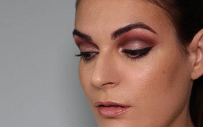 Eyeliner definido y cuenca marcada